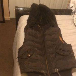 Brown vest with detachable hat